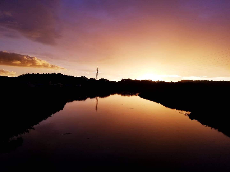 万之瀬橋から眺める夕焼け