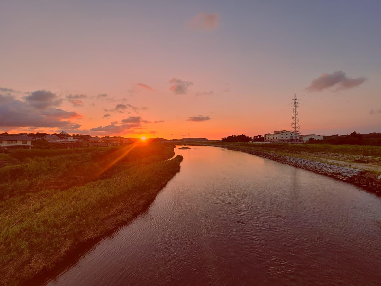 万之瀬橋に沈む夕日